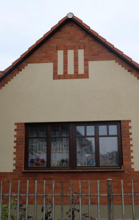 Családi ház homlokzata